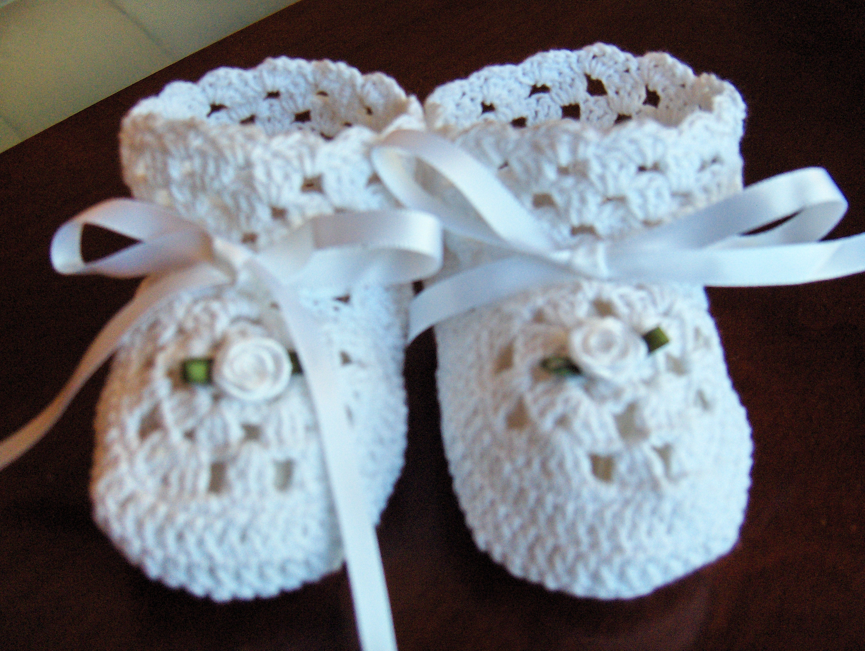 Free Crochet Patterns For Baby Converse Shoes : THREAD CROCHET CHRISTENING GOWN PATTERNS ? Easy Crochet ...
