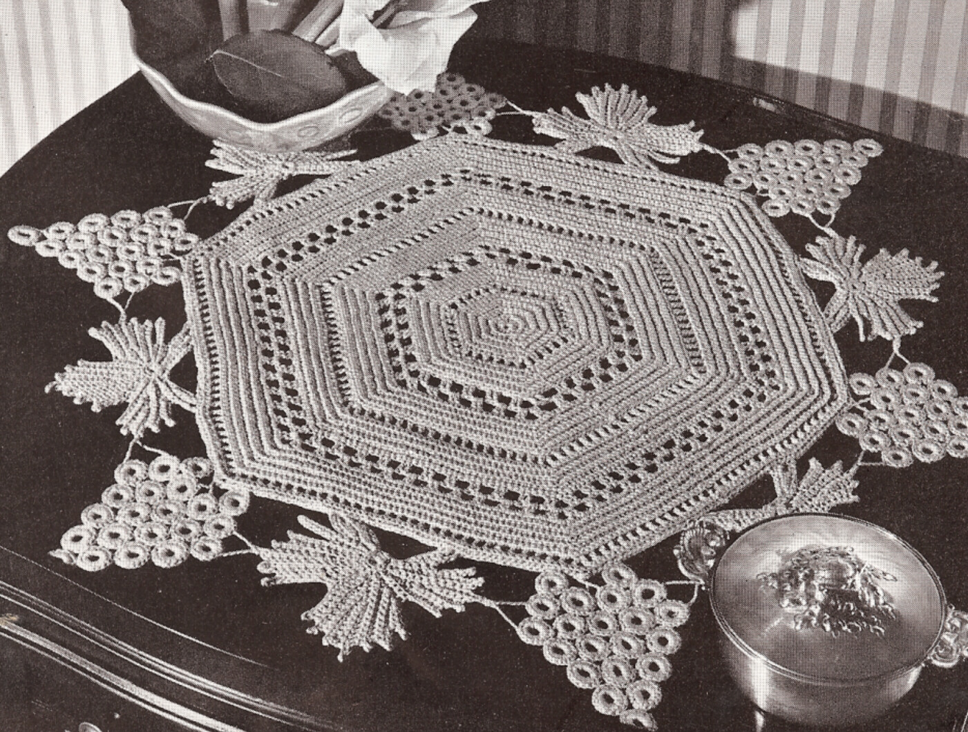 Crochet Patterns Vintage Doilies : Vintage Irish Crochet Grape/Leaves Doily PATTERN Mat