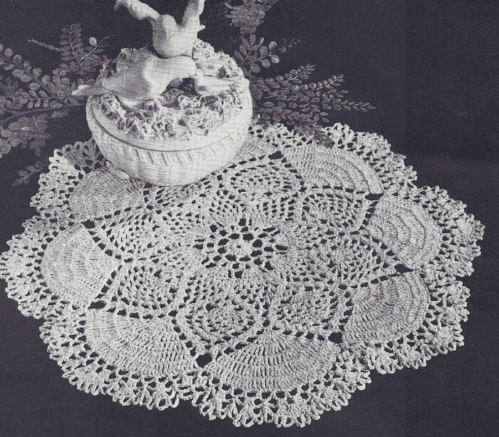 Crochet Patterns Vintage Doilies : Vintage Crochet PATTERN to make Pineapple Dove Tail Fan ...