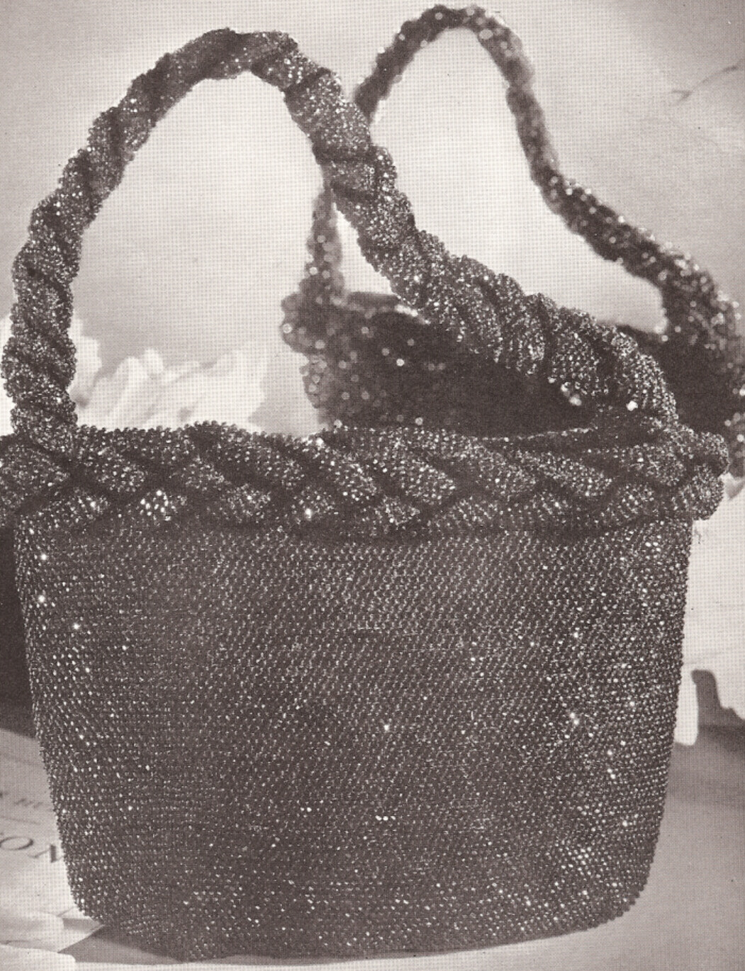 Crochet Beaded Purse Pattern : Hiawatha Beaded Bags & Accessories Vintage Crochet Pattern Book Purses ...
