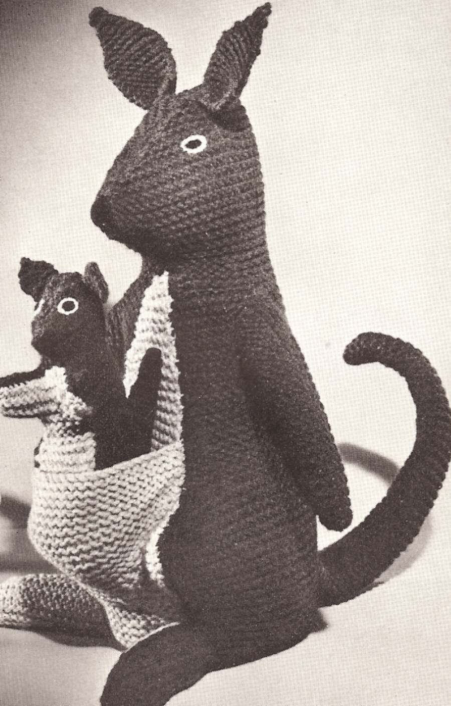 Kangaroo Pouch Knitting Pattern : Kangaroos Stuffed Animal Toy Knitting Pattern Vintage eBay